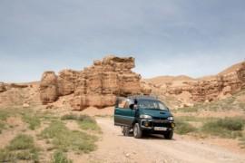 Van Charyn Canyon via Kegen naar Karakol
