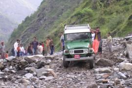 De overland naar Nepal -  Tatopani en naar Kathmandu...