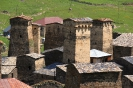 Ushguli - Verdedigingstorens bij elkaarr