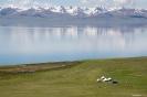 Son Kul - Onze yurts<br />aan het meer