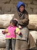 Zhongdian naar Lhasa - Nieuwsgierige inwoners van Pomda